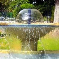 Fontana u vrtu u Zemunu, Beograd